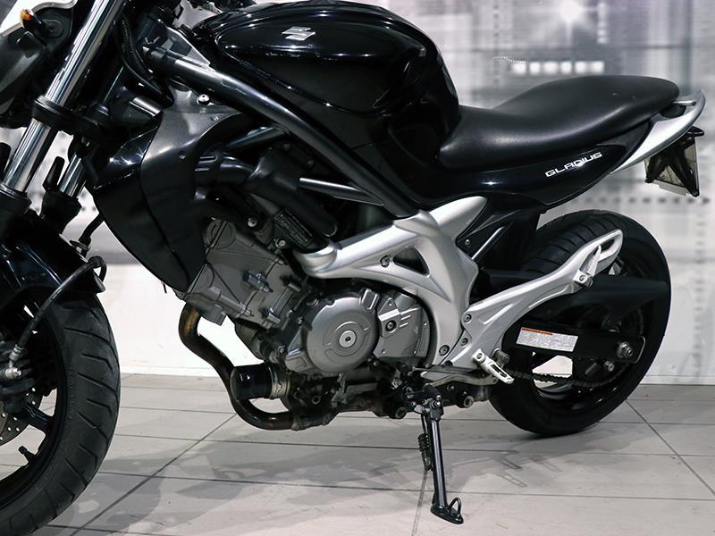 Suzuki sv 650 naked nera - Moto e Scooter In vendita a Palermo