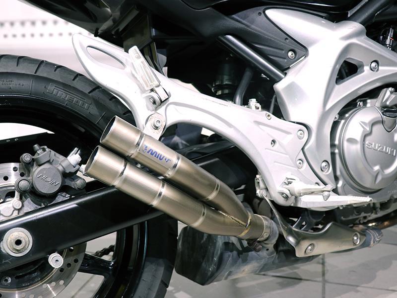 Suzuki Gladius sfv 650 colore nero usato in vendita