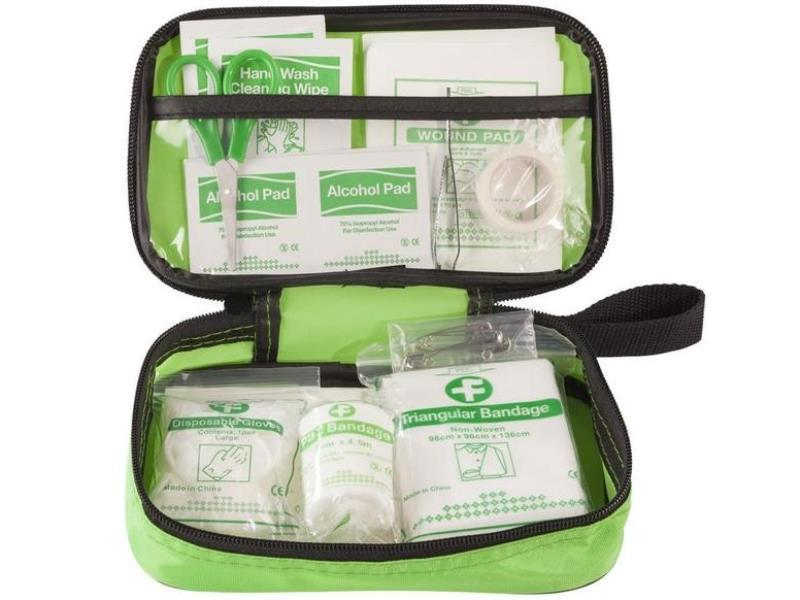 Accessori moto - Kawasaki Kit pronto soccorso First AID Kit Verde prezzo 10,09 euro foto 0